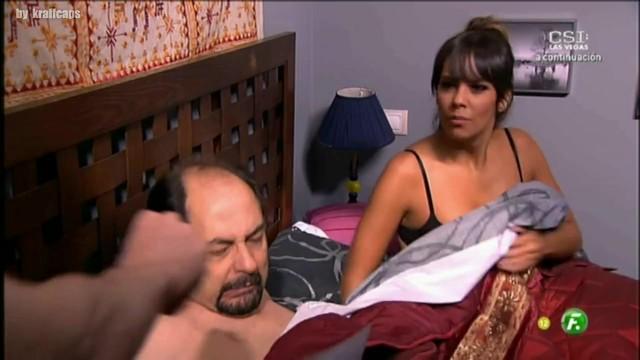 Maduras en sujetadod porno Maduras En Bragas Porn Videos Letmejerk Com